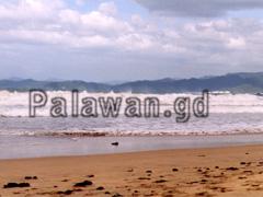 Aufgewühlte Wellen in Sabang, Palawan